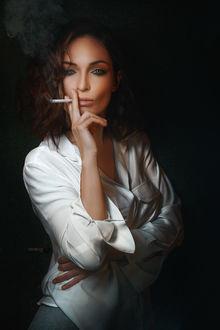 Фото Модель Галина с сигаретой, фотограф Alexander Drobkov-Dark