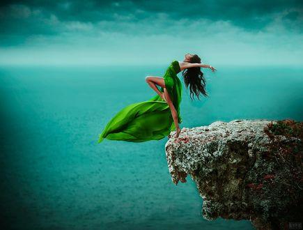 Фото Девушка стоит на обрыве, фотограф Светлана Беляева