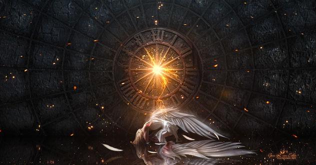 Фото Падший ангел на полу, by Gene Raz von Edler