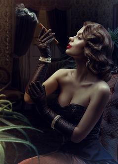 Фото Модель Валентина Чижова с сигарой в руке, by IgnisFatuusII