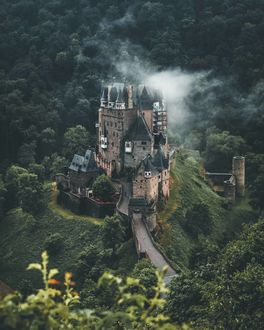 Фото Замок Эльц в Германии, by Daniel Weissenhorn