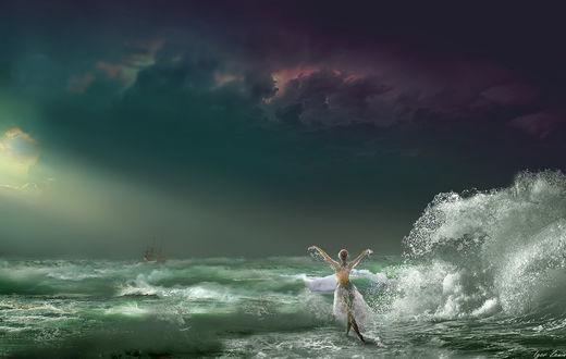 Фото Девушка стоит на фоне шторма. Фотограф Igor Zenin