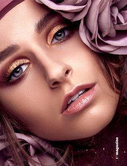 Фото Модель Sarah Schrоder с розой у лица. Фотограф Antonio Martez