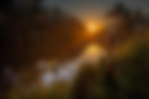 Фото Обнаженная девушка в шляпе стоит у реки. Фотограф Владимир Лапшин