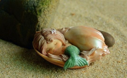 Фото Спящая в ракушке на песке Mermaid / Русалочка, игрушка для украшения домашнего аквариума