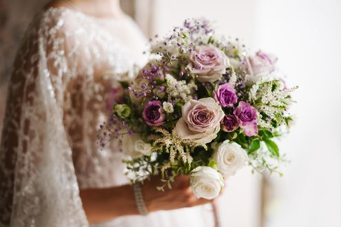 Фото В руках невесты букет цветов, фотограф Сергей Канциренко