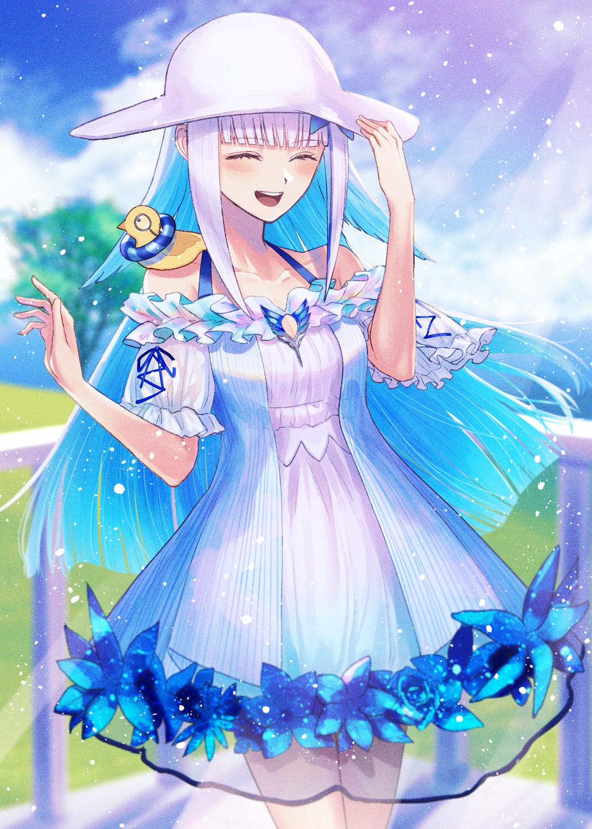 Фото Девочка в шляпе и в платье с голубыми цветами