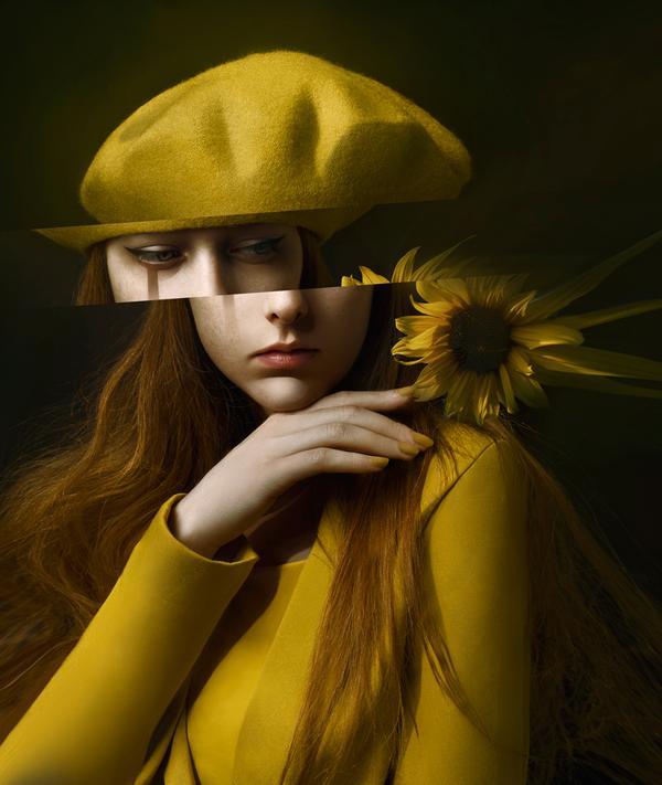 Фото Девушка в берете с подсолнухом, by MuseInBlack
