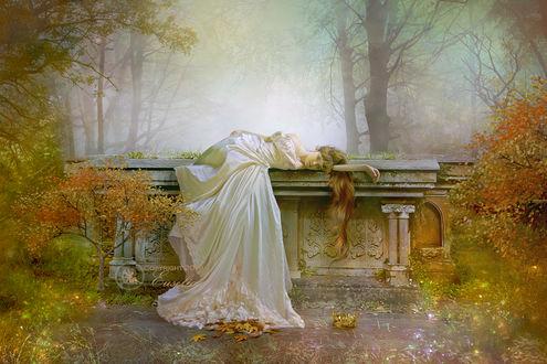 Фото Девушка в длинном белом платье лежит на постаменте, by Euselia