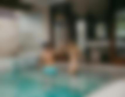 Фото Парень с девушкой в бассейне. Фотограф Стас Моисеев