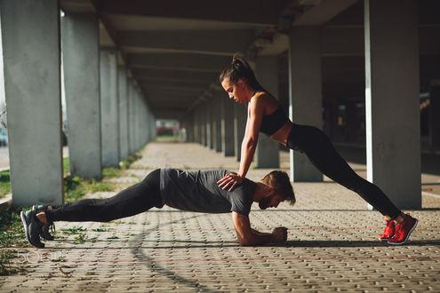 Фото Девушка с парнем занимаются спортом, by Milenko Dilas