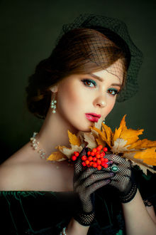Фото Модель Александра Гирская с осенним букетиком, фотограф Olga Boyko