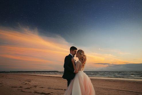 Фото Молодожены на фоне побережья, фотограф Stas Pushkarev