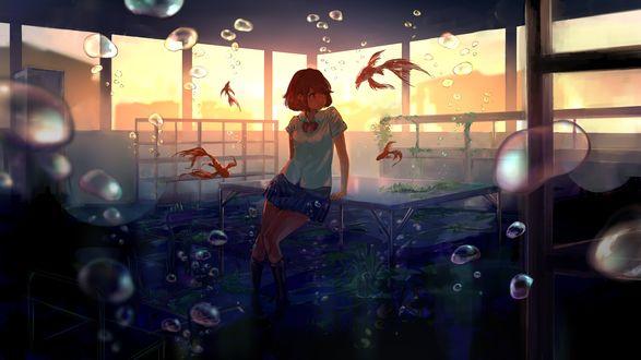 Фото Девушка в окружении рыбок