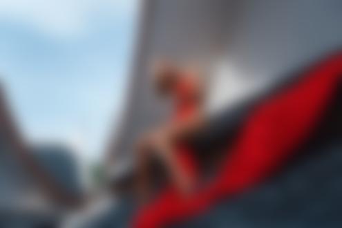 Фото Девушка Лера прикрыта красной тканью сидит на крыше. Фотограф Трофименко Владимир