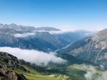 Фото Горы в дымке облаков