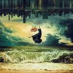 Фото Девушка парит над морем на фоне неба, by Peter Brownz Braunschmid