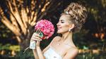Фото Модель Катрин с прической и букетом цветов в руках. Фотограф Харисов Антон