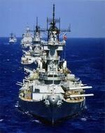 Фото Плывущие USS Iowa и USS Wisconsin, затем фрегаты класса USS Long Beach и Knox / Линейные корабли типа Айова и атомные ракетные крейсеры флота США, by Merlyn L. - Mel Johnson
