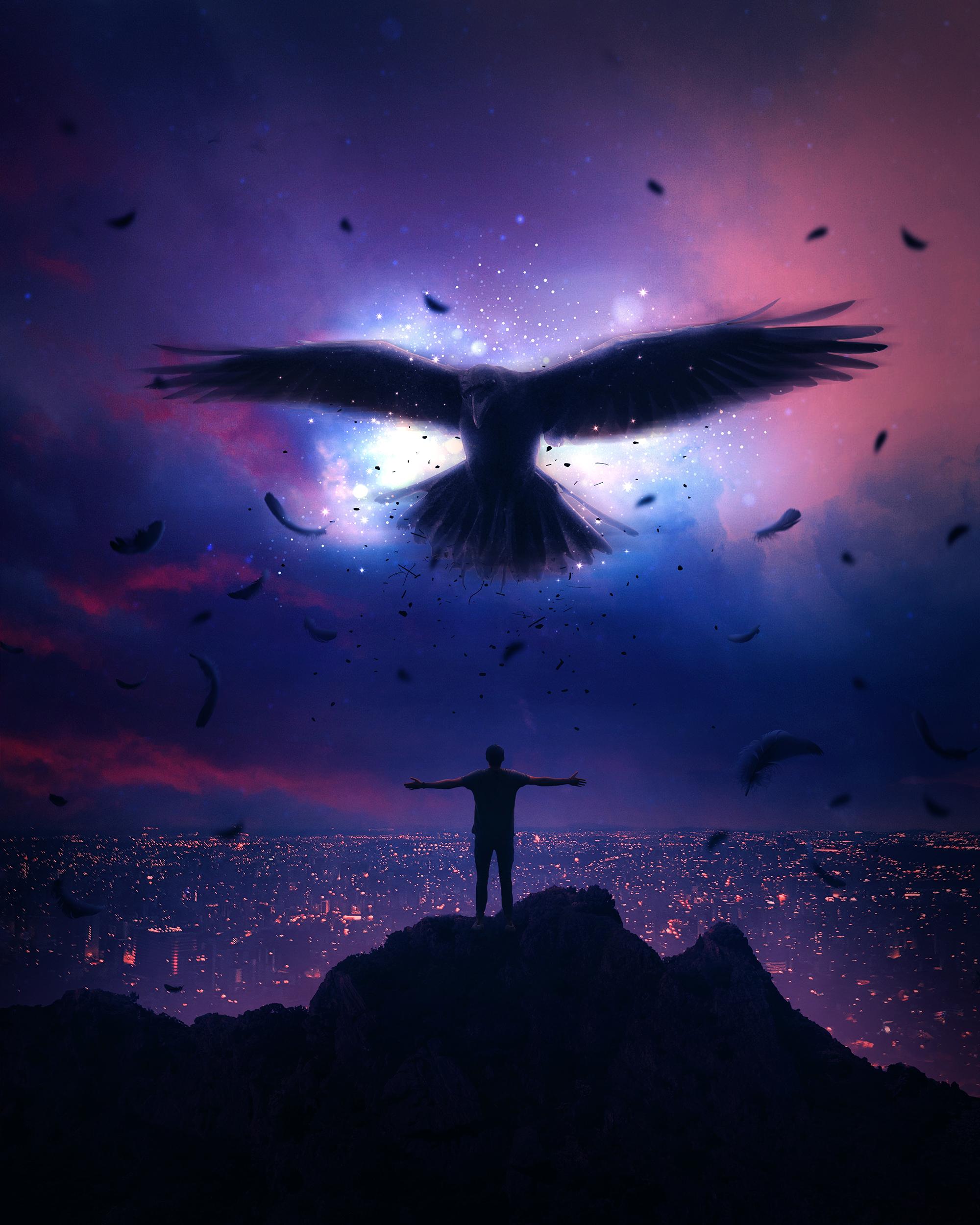 Фото Парень стоит на фоне ночного города с парящим в небе вороном над ним, by aronvisuals