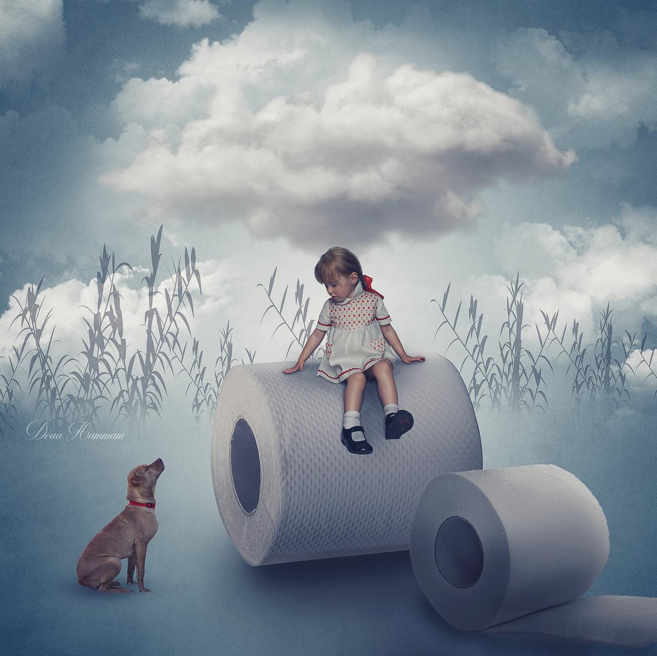 Фото Девочка сидит на рулоне бумаги и смотрит на собаку, by DoaaHammam