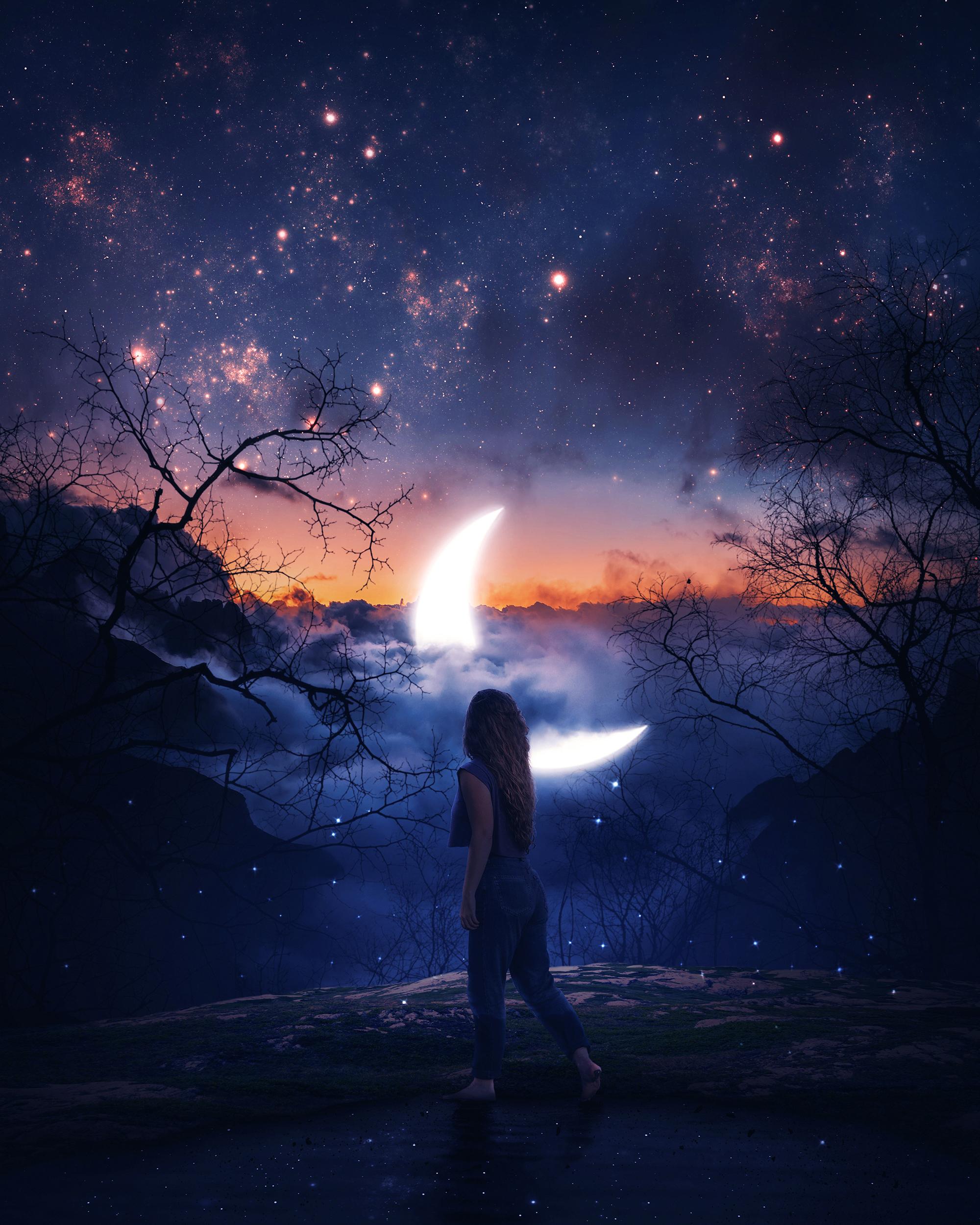 Фото Девушка стоит на фоне ночного неба с месяцем, by aronvisuals