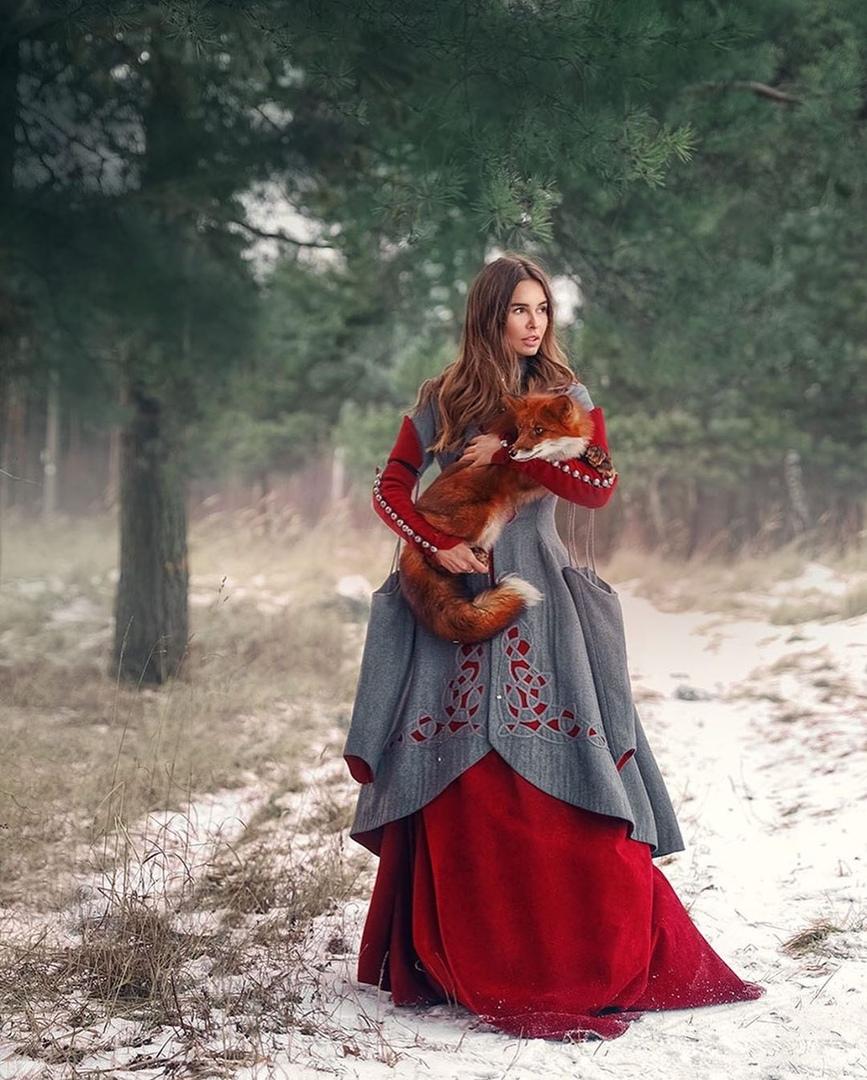 Фото Девушка с лисой на руках, фотограф Екатерина Ситникова