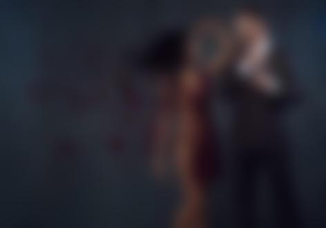 Фото Парень в костюме стоит рядом с полуобнаженной девушкой, фотограф Bill Larkin