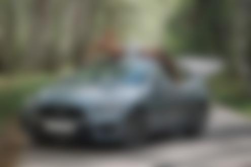 Фото Модель Диляра позирует на авто, фотограф Артур Абдуллазянов