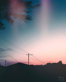 Фото Крыши домов под закатным небом, by ReedDrawsOnDA (© chucha), добавлено: 11.09.2021 08:12