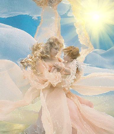 Анимация Мама смотрит с любовью на своего ребенка, которого держит на руках (© Akela), добавлено: 02.03.2015 02:31