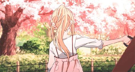 Анимация Каори Миядзоно / Кaori Мiyazono из аниме Твоя апрельская ложь / Shigatsu wa Kimi no Uso с футляром для скрипки под падающими весенними лепестками