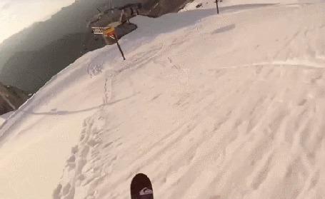 Анимация Лыжник использует вместо трамплина подъемник (© Anatol), добавлено: 04.03.2015 00:27