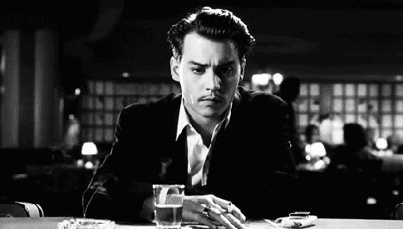 Анимация Джонни Депп / Johnny Depp курит, сидя за столом в фильме Эд Вуд / Ed Wood, 1994 год (© Anatol), добавлено: 13.03.2015 14:12