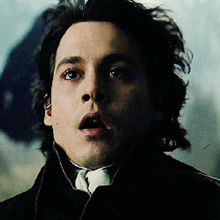 Анимация Джонни Депп / Johnny Depp падает на землю в фильме Сонная Лощина / Sleepy Hollow, 1999 год