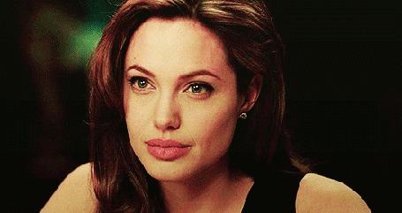 Анимация Улыбающаяся актриса Анджелина Джоли / Angelina Jolie