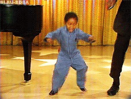 Анимация Ребенок энергично танцует и счастливо улыбается (© Anatol), добавлено: 20.03.2015 15:50