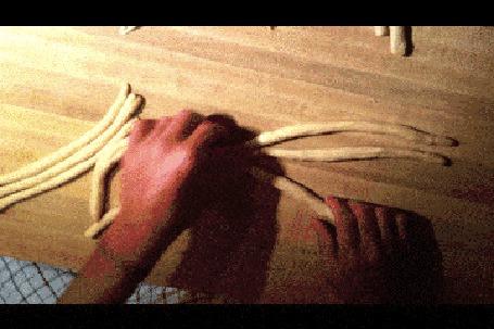 Анимация Как делается булочка плетенка