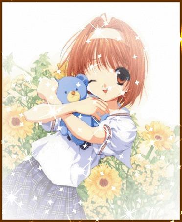 Анимация Анимешная девочка в школьной форме обнимает синего плюшевого медвежонка, улыбается и подмигивает, на фоне желтых цветов