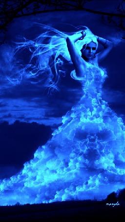 Анимация Девушка из облаков (© zmeiy), добавлено: 11.04.2015 17:24