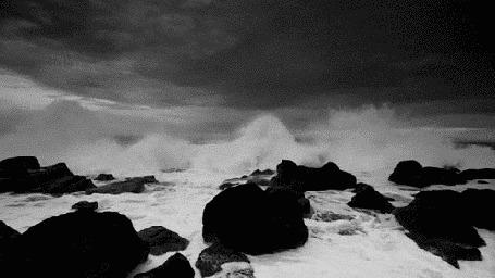 Анимация Накатывающая на скалистый берег волна (© BlackAssol), добавлено: 16.04.2015 15:11