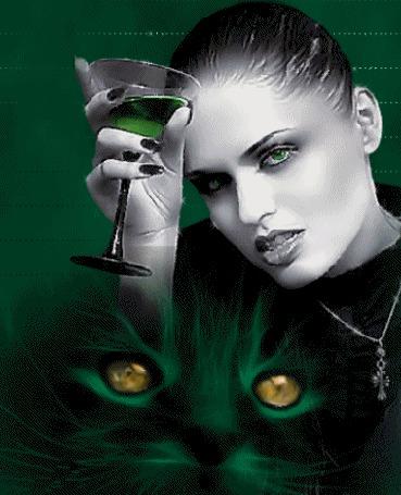 Анимация Девушка на фоне мордочки черной кошки, держит в руке фужер с зеленой жидкостью