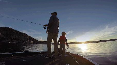 Анимация Мужчина с ребенком на рыбалке (© Seona), добавлено: 22.04.2015 11:56