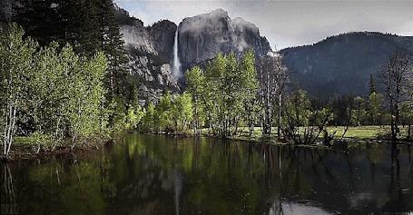 Анимация Течении реки, на фоне гор, by Orbo (© Seona), добавлено: 22.04.2015 12:10