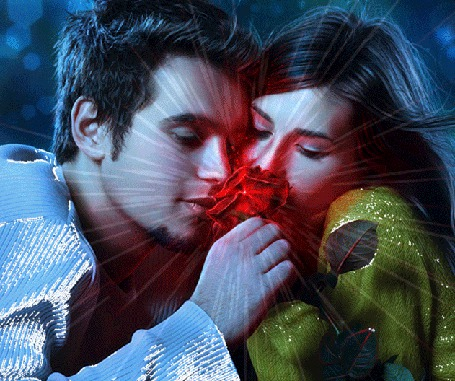 Анимация Влюбленные парень и девушка прижавшись друг к другу, смотрят на сверкающую красную розу в руке парня