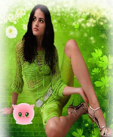 Анимация Девушка в зеленых одеждах сидит на зеленом фоне, вокруг летают белые ромашки и возле правой руки розовый чудик с зелеными глазами посылает поцелуи (© Akela), добавлено: 22.04.2015 18:08