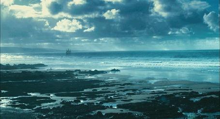 Анимация Морские волны бьются об берег (© Seona), добавлено: 23.04.2015 11:45
