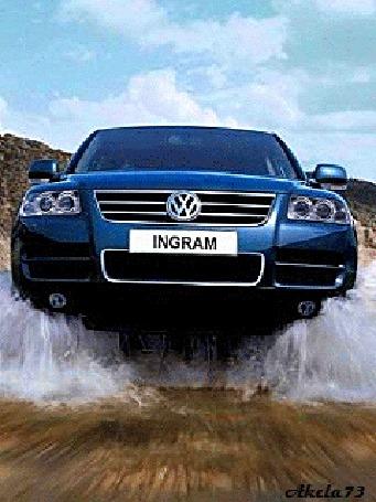 Анимация Машина ФольксВаген / Volkswagen / мчится по дороге, поднимая кучи брызг, Akela73