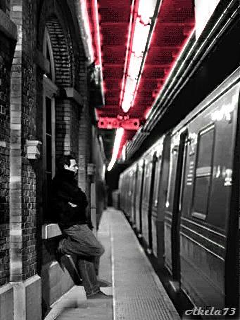 Анимация Парень ждет на перроне вокзала с подходящего поезда любимую девушку, Akela 73 (© Akela), добавлено: 02.05.2015 22:53