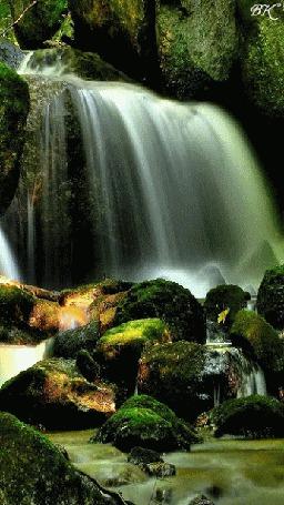 Анимация Огромный высокий водопад (© zmeiy), добавлено: 03.05.2015 17:26
